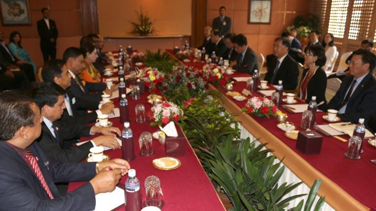 चीन सरकारका उपप्रधानमन्त्री समक्ष महासंघका अध्यक्ष राणाको नेतृत्वमा नेपाली निजी क्षेत्रबाट औपचारिक भेटवार्ता सम्पन्न (२०७४/४/३२)